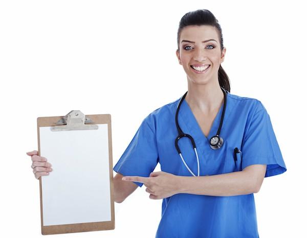 Снимка на момиче в лекарска престилка